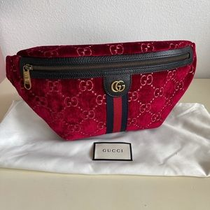 New Gucci Red Velvet belt bag Fanny pack size 85